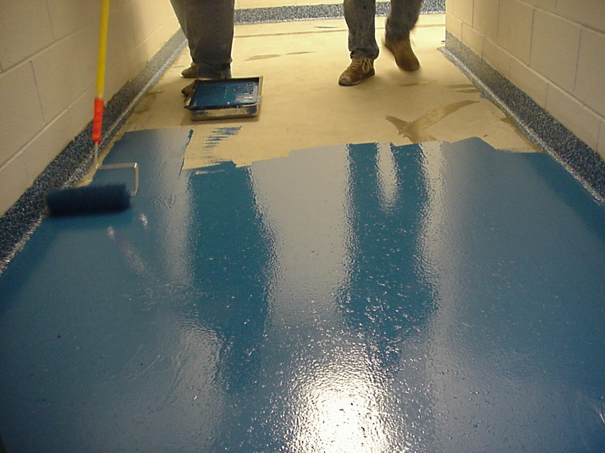 Chip flooring step 1 a layer of flooring resin is applied to a suitable substrate solutioingenieria Images