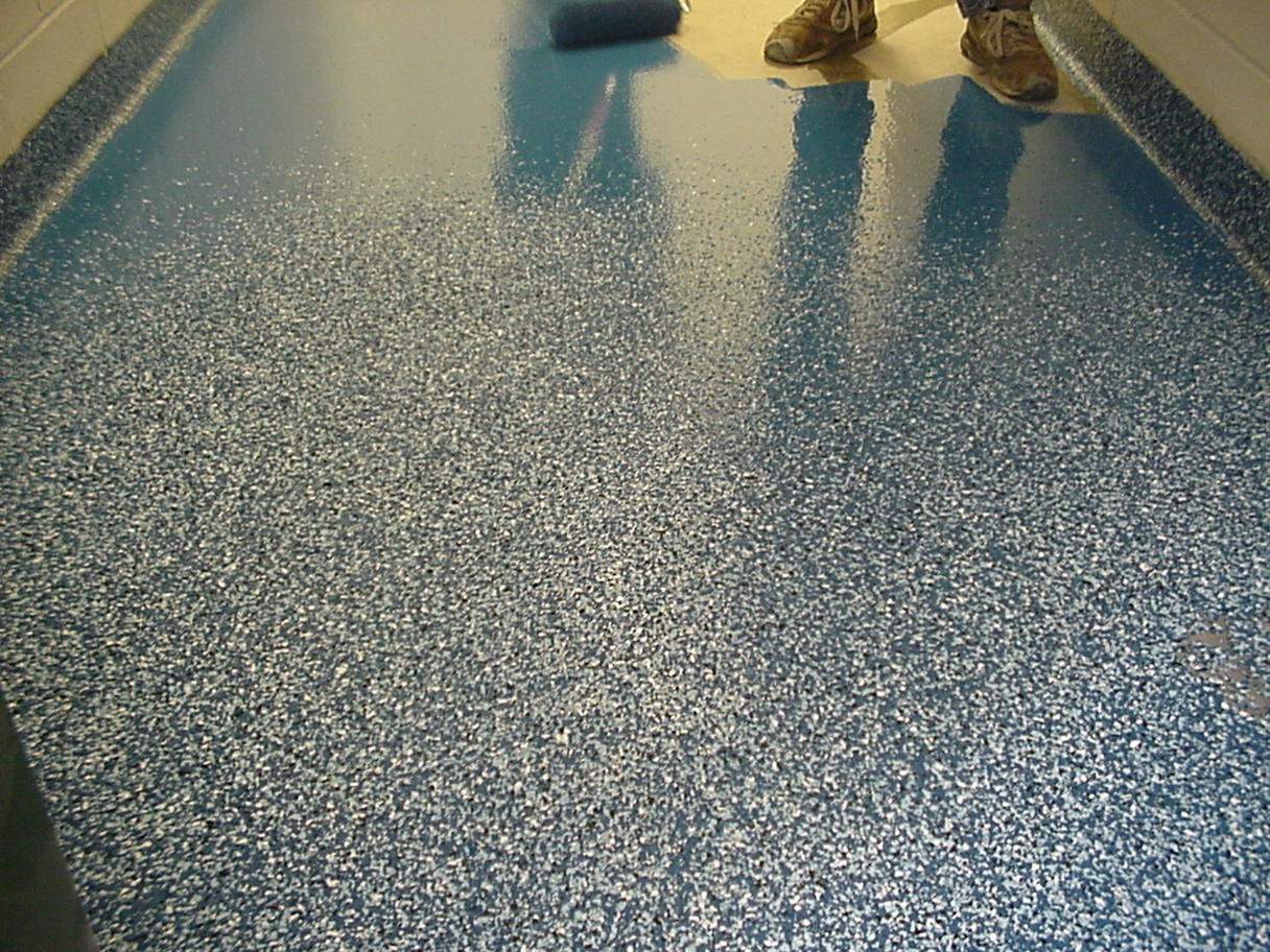 Seamless multicolored chip flooring flake flooring for Concrete floor covering